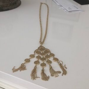 Long 22 inch gold beautiful necklace